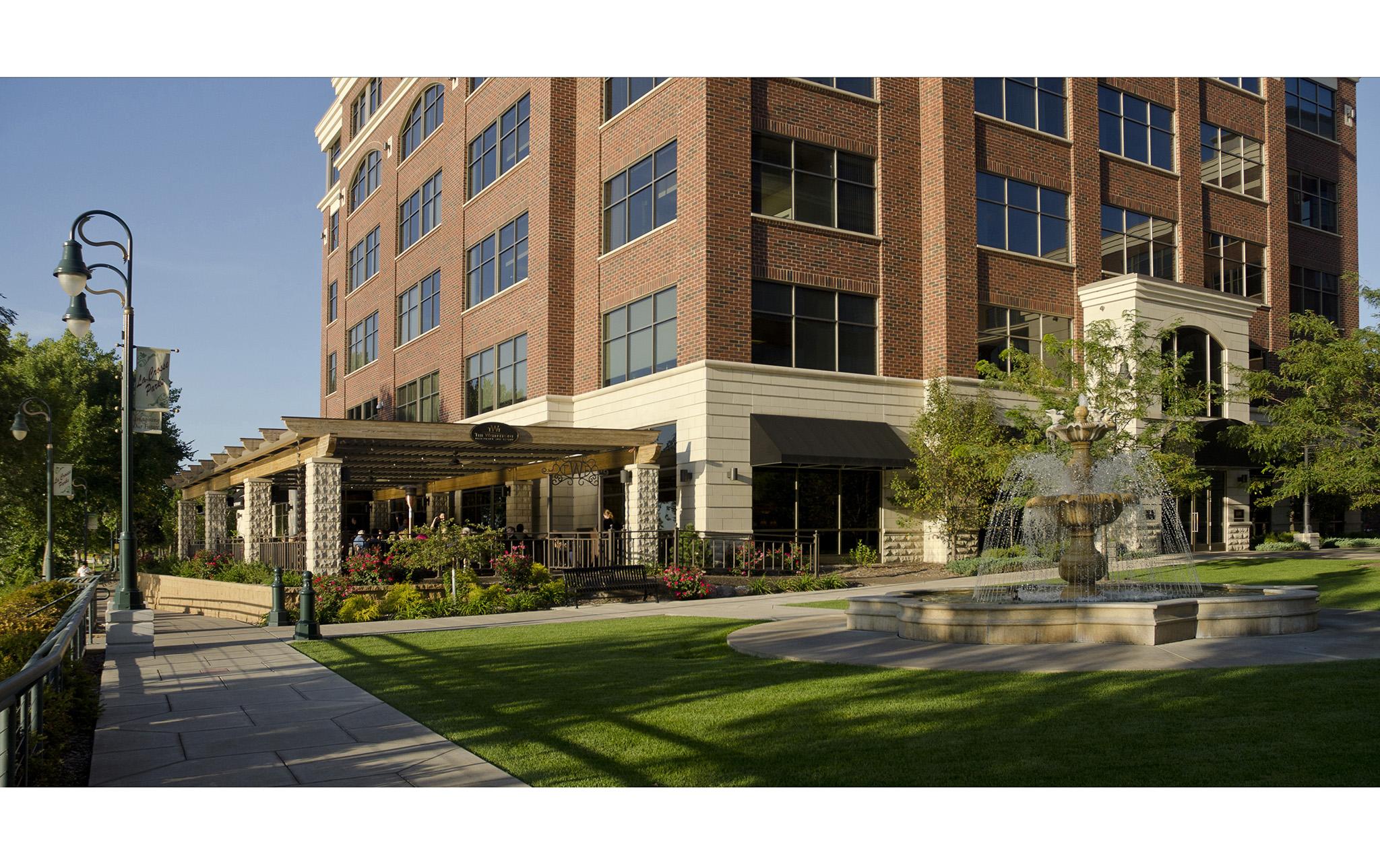 15_Riverside-Center-Office-Complex