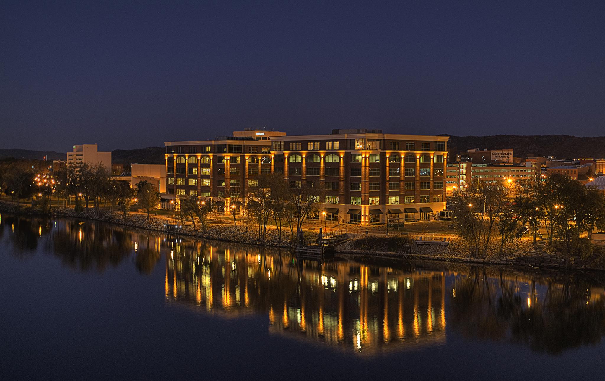 Riverside-Center-Office-Complex