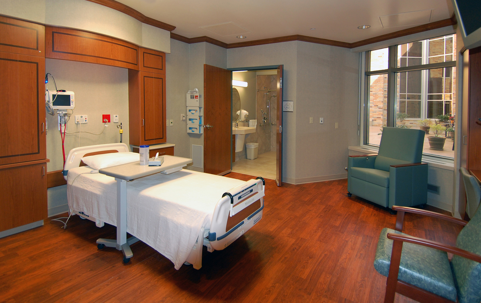 3_Riverview-Hospital