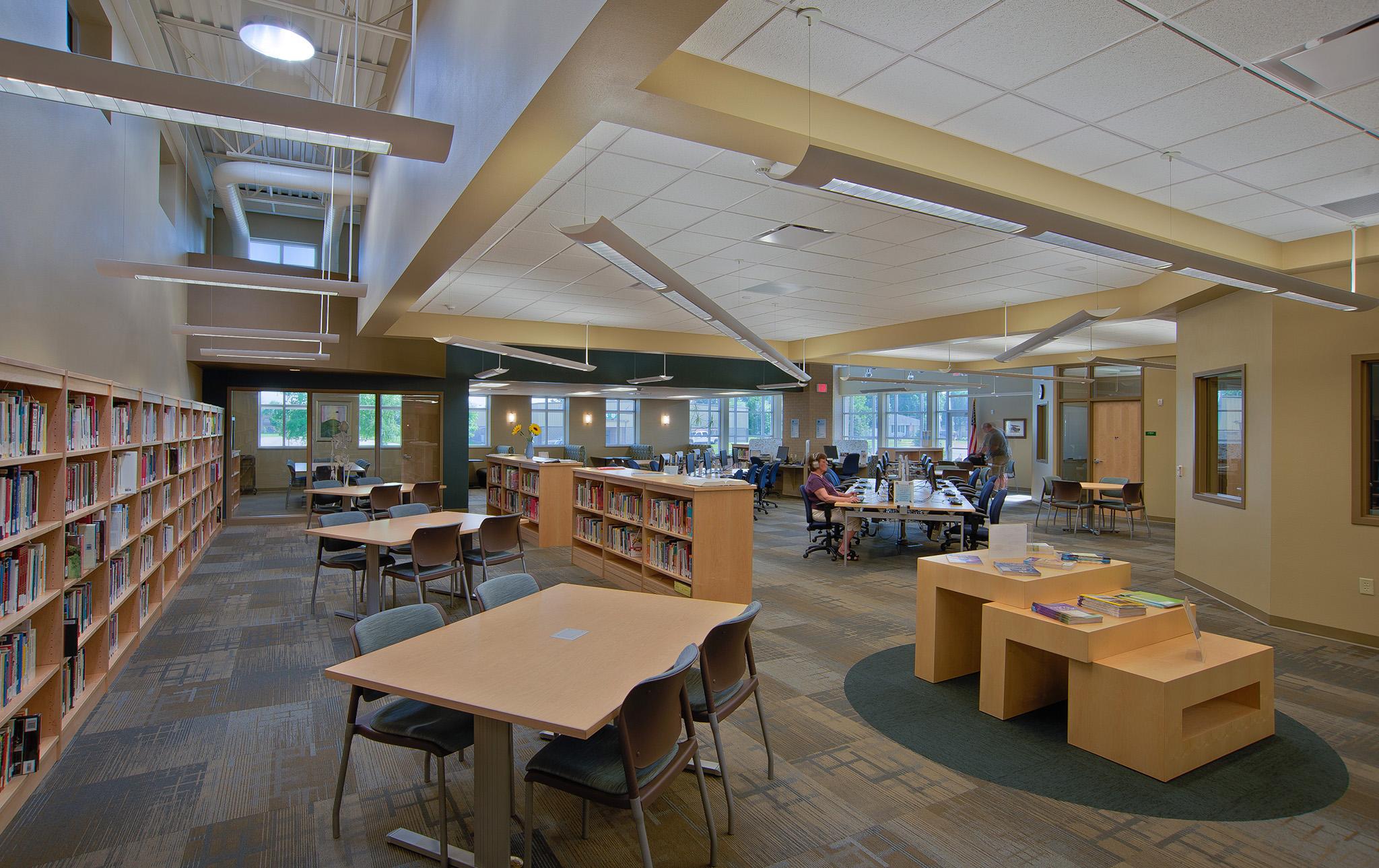4_MPTC Student Life & Library